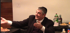 El debate entre el Rabino Yosef Mizrachi y el diseñador Barhami Hakakian